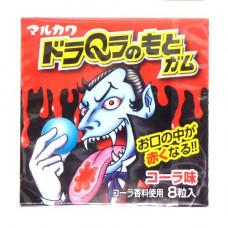 Marukawa Monsters Dracula Жевательная резинка Дракула меняет цвет языка на красный Кола 13 гр (8 шариков)